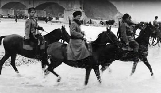 Cosacs travessant el Tagliamento. Friuli 1944.